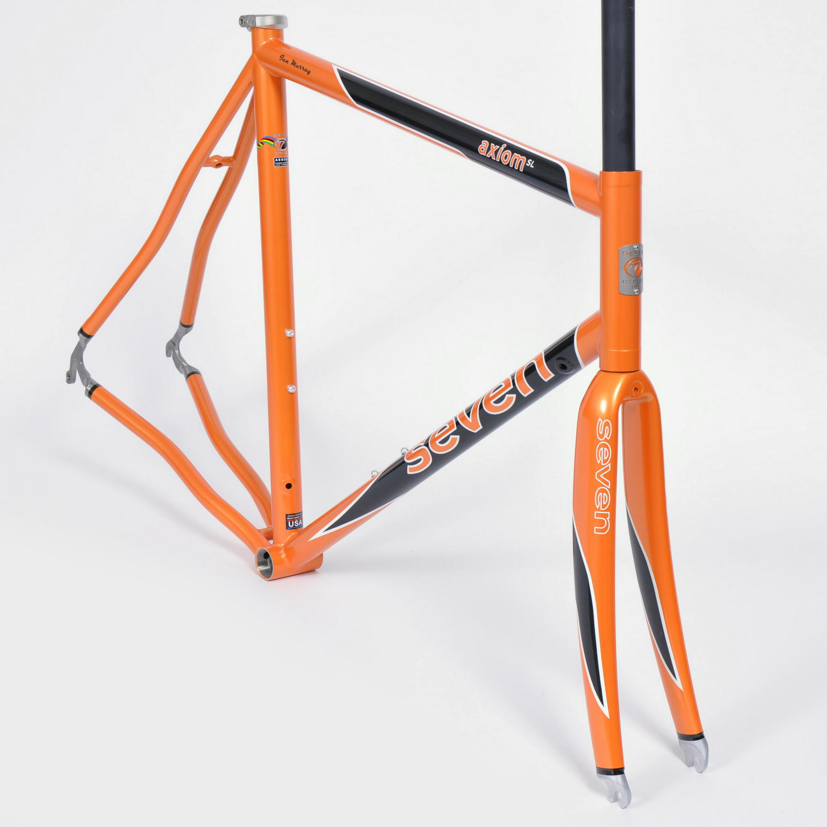 gran fondo scheme in goldfish, gloss black, and snow white